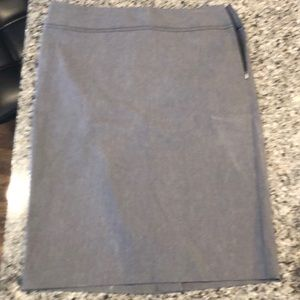 The limited exact stretch pencil skirt size 6 tall
